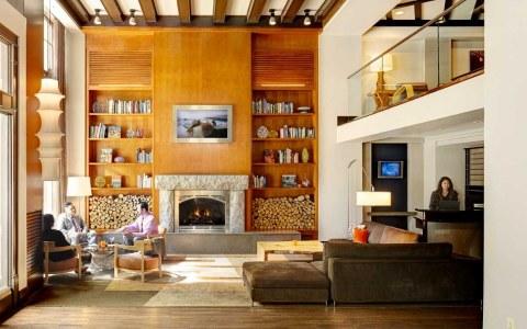 "Lobby ""Living Room"""